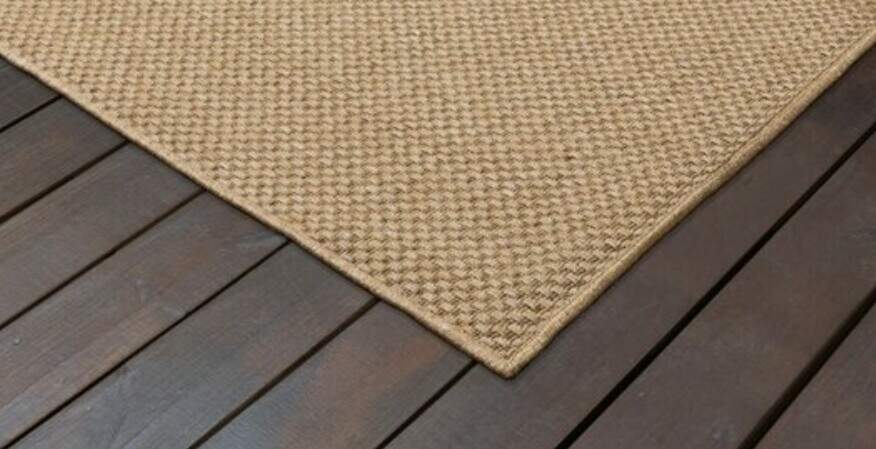 stop decking from scratching
