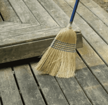 The Do's and Don't of Maintaining Composite Decking